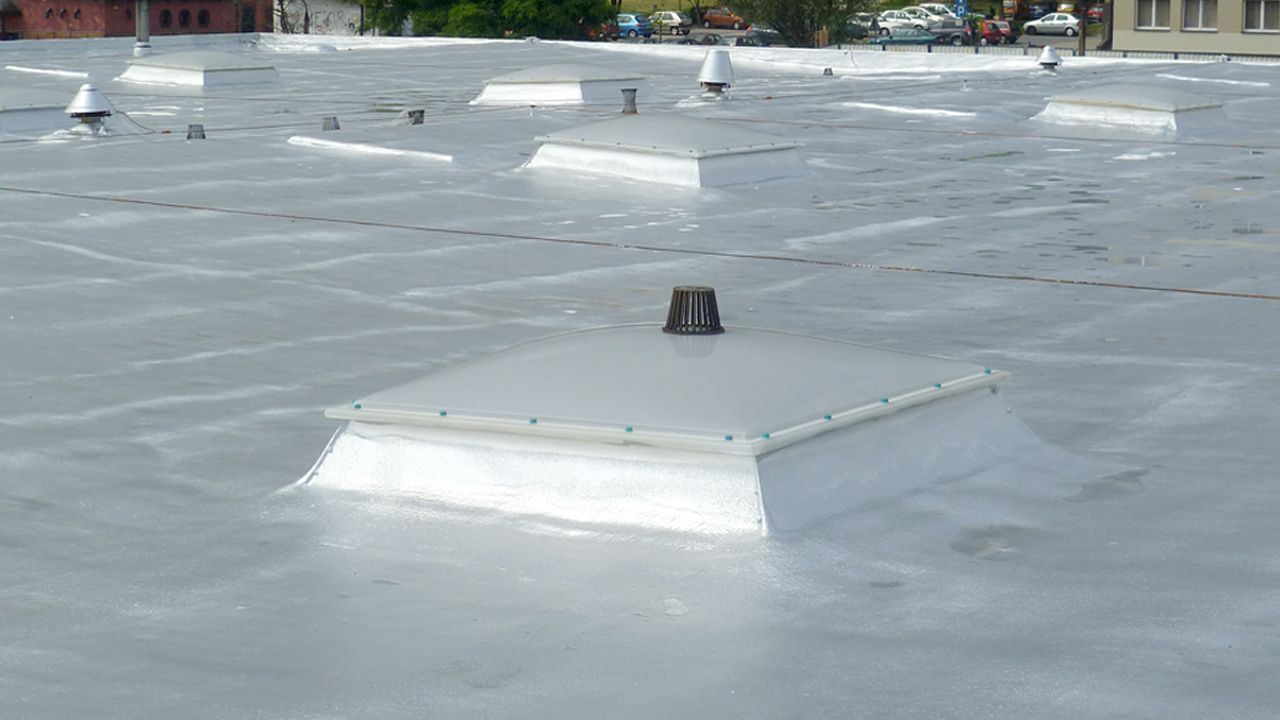 Thermal Insulation of a Flat Roof — Find Out What Material You Should Choose!